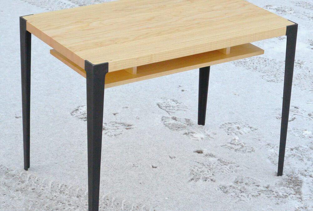 Soffbord med dubbla skivor i ask