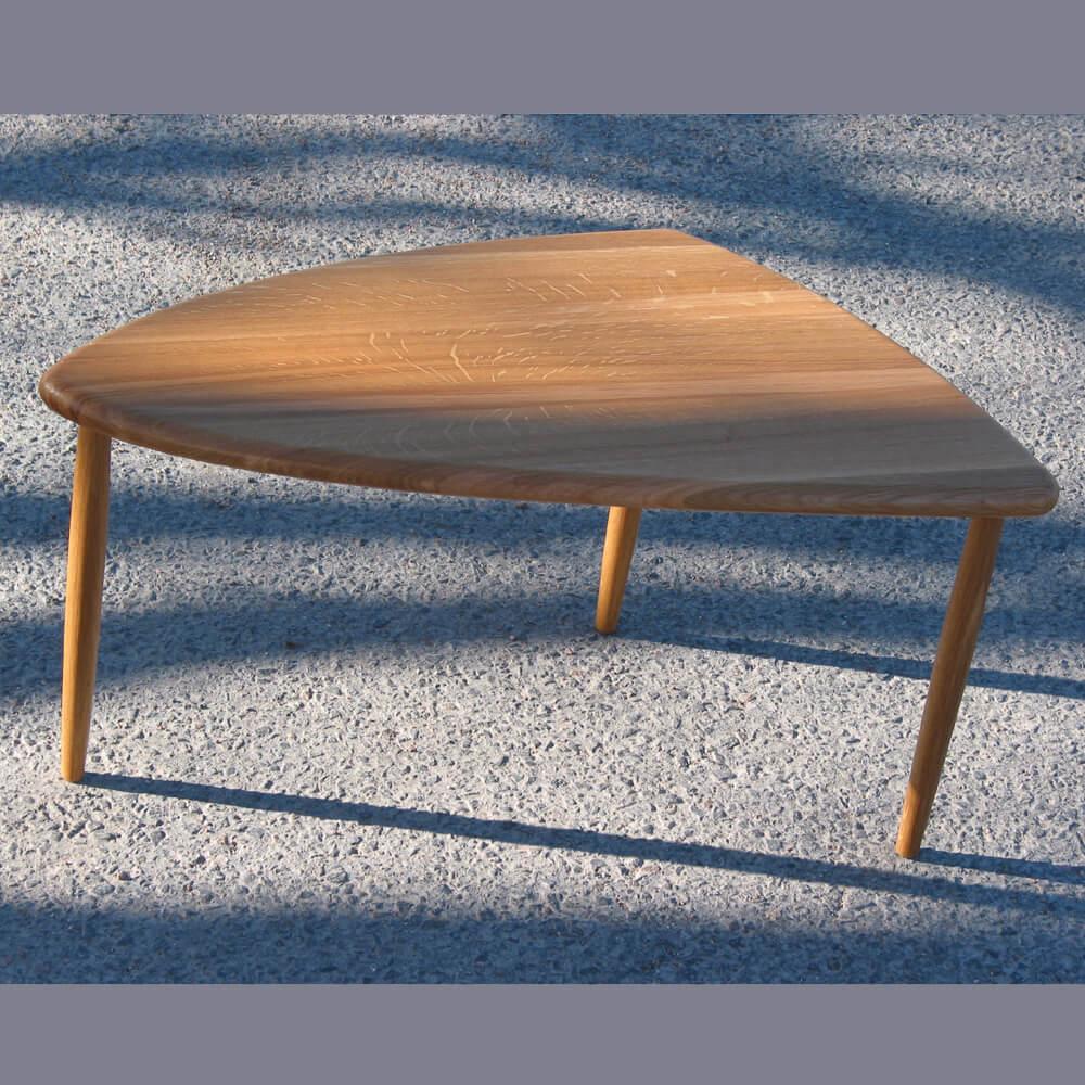 Stefan_Forsberg--Sideboard--Soft-Triangle--i-massiv-ek